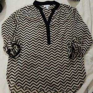 🌸 Chevron print XL blouse